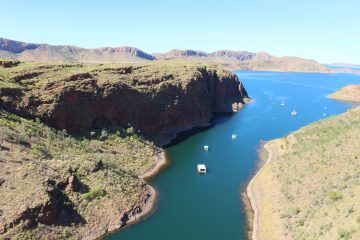 tours to the kimberley, kimberley tours, tours for seniors to the kimberley, aussie redback tours